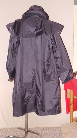 szkocki płaszcz-peleryna z kapeluszem