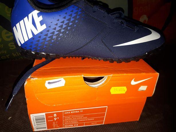 Buty Nike Bomba TF nr 41