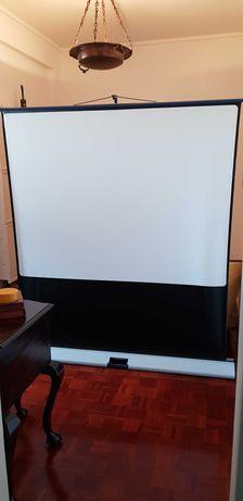 Tela Projeção MovieLux Compact (160cmx120cm)