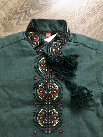 Новая вышитая рубашка для мальчика