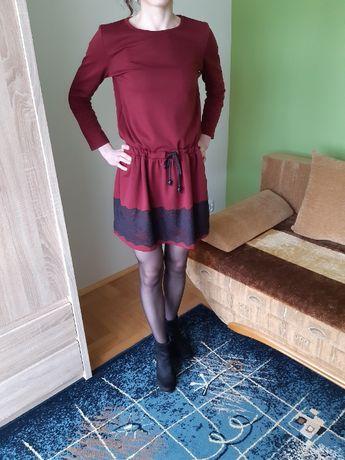 Sukienka z koronkowym zakończeniem / bordowa /XS