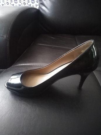 Sapatos Zara Peep Toes em verniz