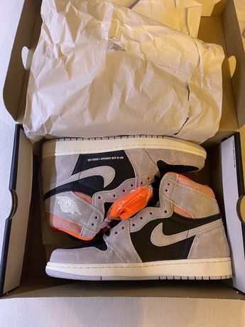 Jordan 1 hyper crimson / natural grey 42.5