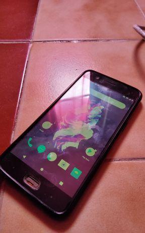 One Plus 5 a precisar de ecrã e fingerprint