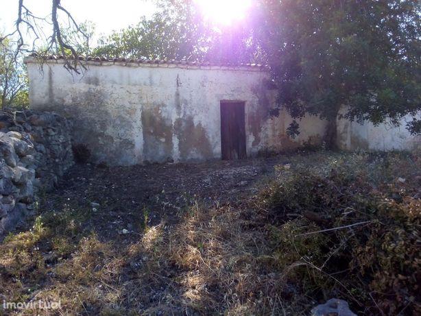 Terreno com ruina-Paderne-Albufeira