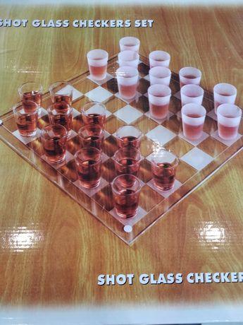 Настольная игра шашки - рюмки