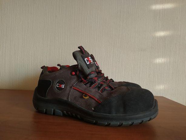 Робочі черевики з захищеним носиком