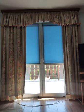 Zasłony na dwa okna
