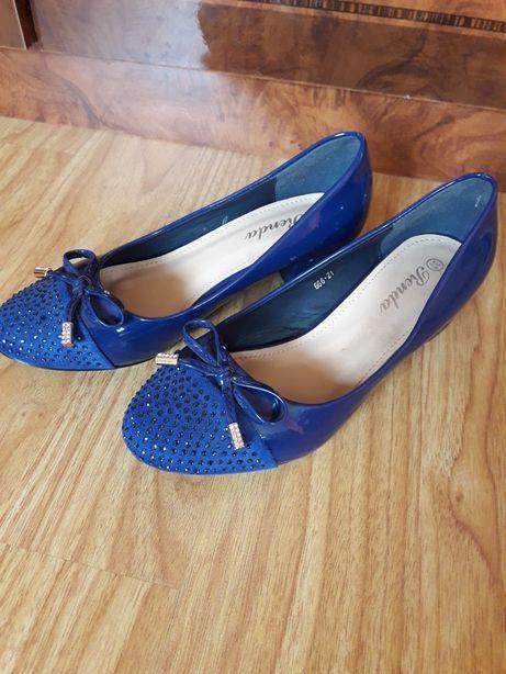 Туфли туфлі на девочку новые