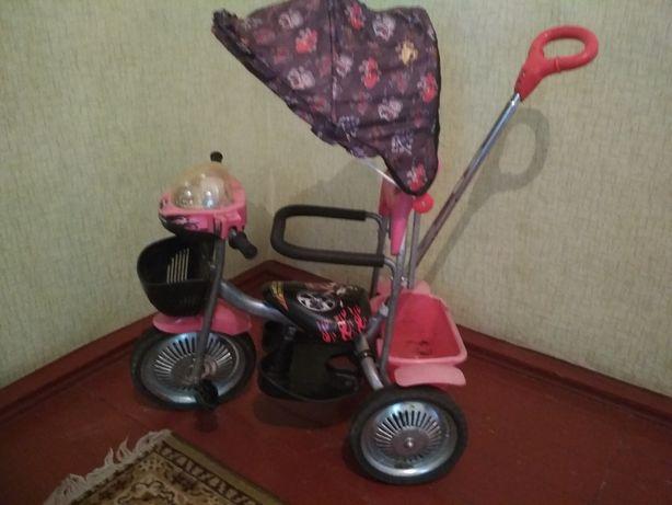 Продам детский трех колёсный велосипед.