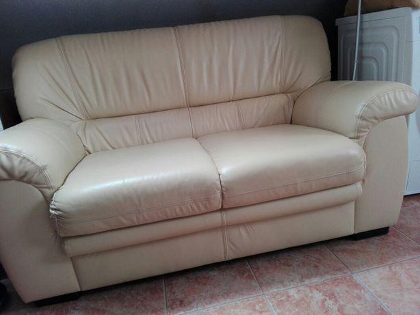 Sofa em pele - bege