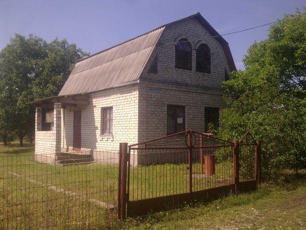Компактний Кірпічний будинок