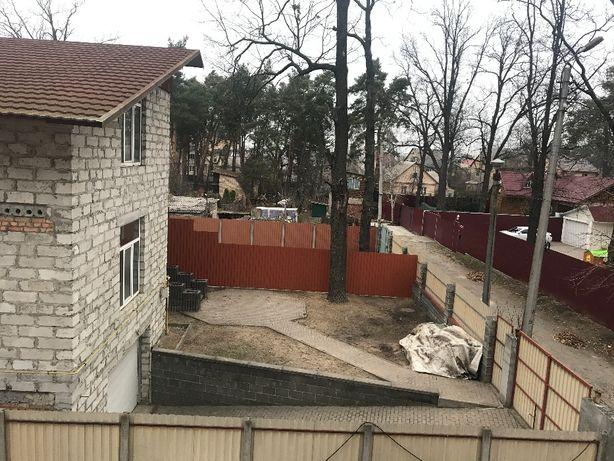 Дом в центре Ирпеня с чистовой отделкой, гараж на 2 машины