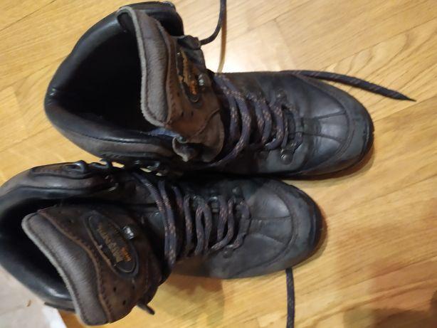 Спортивні осінно-зимові черевики мeindl