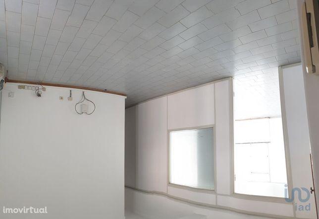 Loja - 100 m²