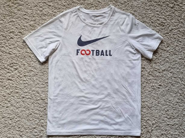 Dziecięca koszulka NIKE rozmiar XL.