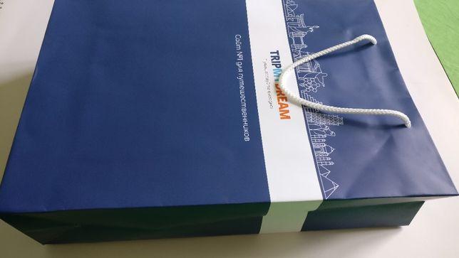 Пакет бумажный крепкий надёжный крафт синий с верёвочными ручками