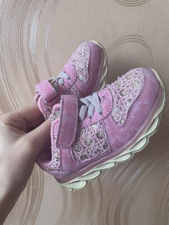 Продам кроссовки для девочки 16 см