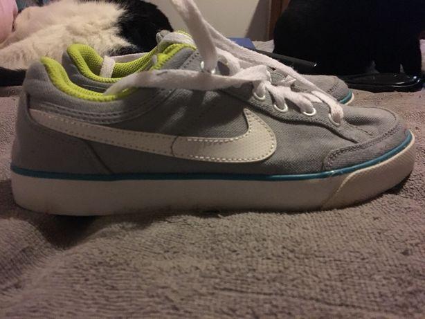 Vendo sapatilhas Nike de pano