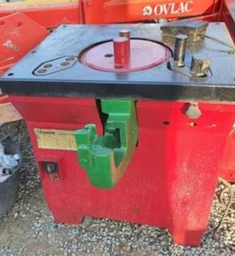 Maquina cortar e dobrar Ferro Tecmor