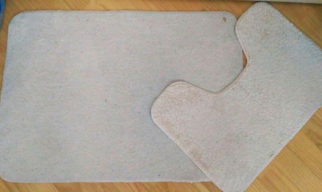 25zł Dywaniki Łazienkowe Komplet Białe, mają antypoślizgowy dół