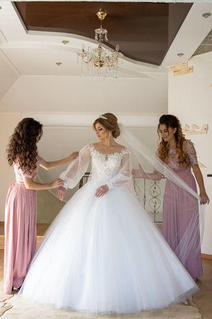 Весільне плаття (колір айворі)