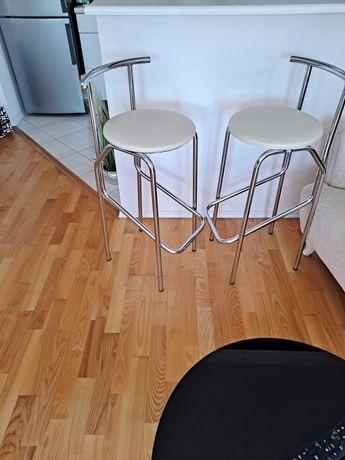 Hokery metalowe z siedzeniem koloru ekrii