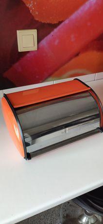 Caixa de pão laranja