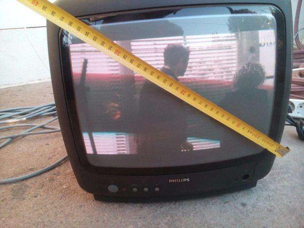 TV Philips 37cm a funcionar perfeitamente