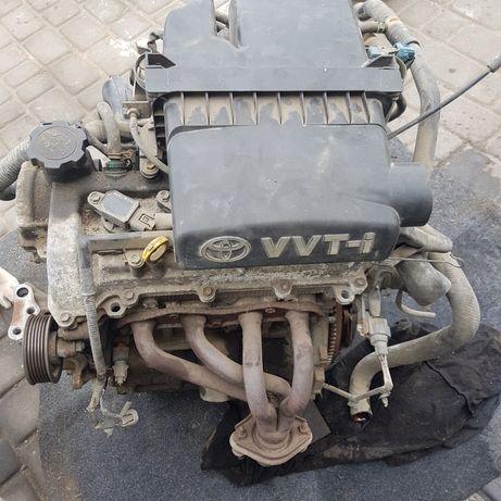Silnik toyota yaris 1.0 benz kod 1sz przebieg 170tys bez wycieków