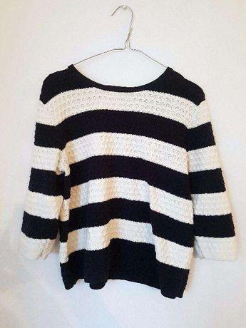 Granatowo-biały krótki sweter w paski
