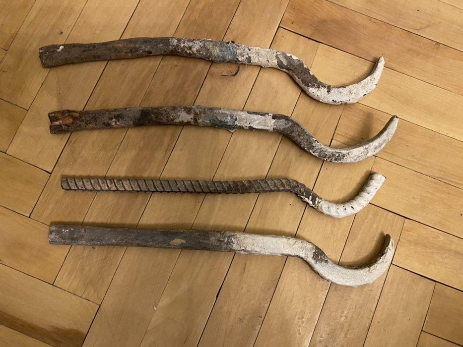 Крючки / держатели / крепление кронштейн для чугунной батареи Полтава - изображение 1