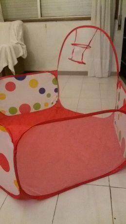 Piscina de bolinhas para crianças