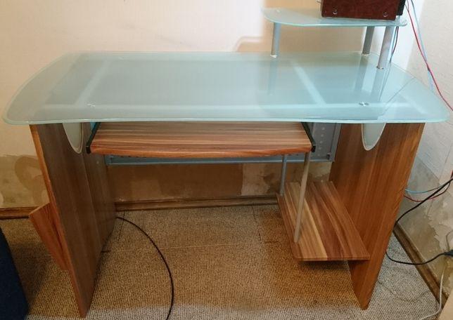 Компьютерный стол стекло