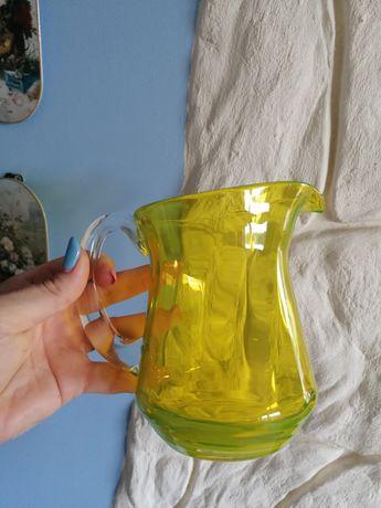 Ciekawy szklany żółty cytrynowy kufel polecam