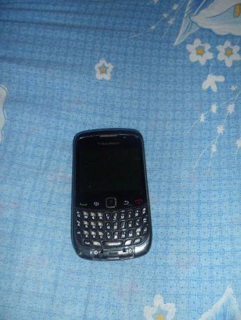 Мобильный телефон BlackBerry 9300