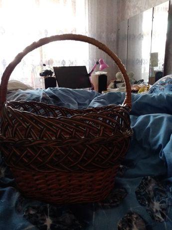 Корзинка плетёная