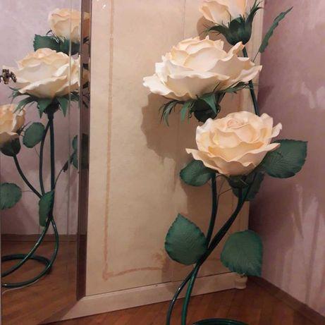 Светильник , ночник, ростовые розы из изолона