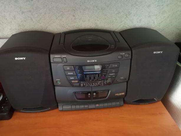 Radio z odtwarzaczem kaset magnetofonowych