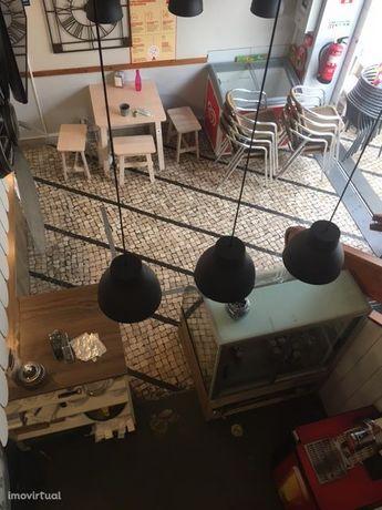 Café snack bar bem localizado