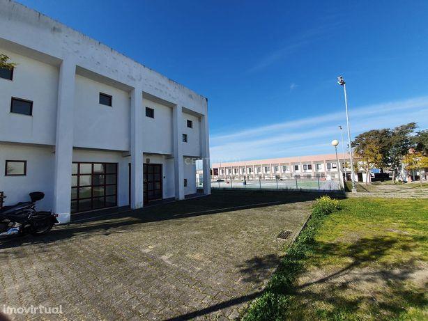 Oportunidade no Parque Industrial em Évora
