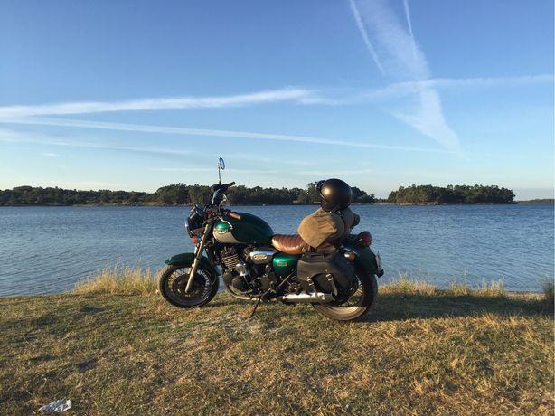 Triumph legend 900cc