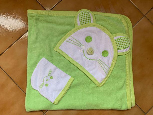 Детское полотенце-капюшон и варежка.