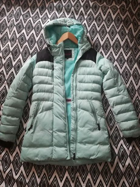 Sprzedam damskie zimowe używane kurtki stan b. dobry
