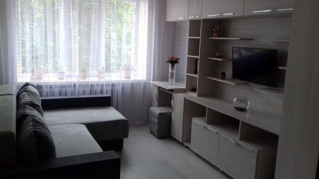 Продам двохкімнатну квартиру по вул Наливайка 10а