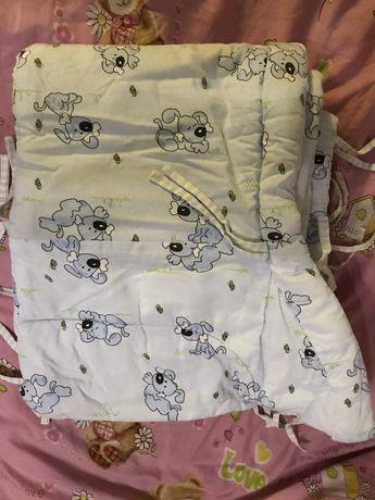 Бампер защита в кроватку детскую Х/Б