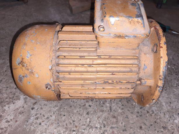 Электродвигатель 1,5 кВт, 1400 об/ мин, 4АМ80В4