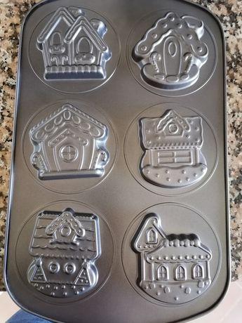 Formas de pastelaria em forma de casinha