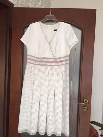 Elegancka koktailowa sukienka r 44 /Trinite/