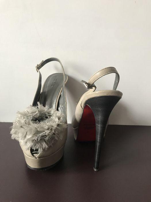Buty kazar 37 regulowane długość 24,5 cm Jaworzno - image 1